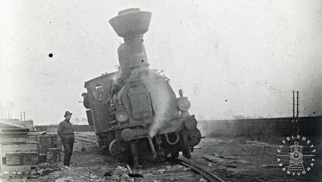 Kisiklott mozdony 1915-ben